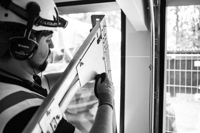 Autotallin remontti: 8 tilannetta, jolloin autotallin ovi on aika uusia