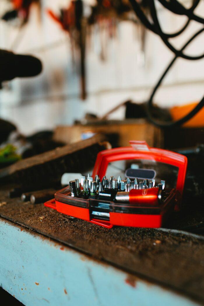 Työkalut autotallissa
